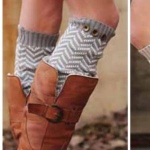 Herringbone leg warmers (dark gray/white)